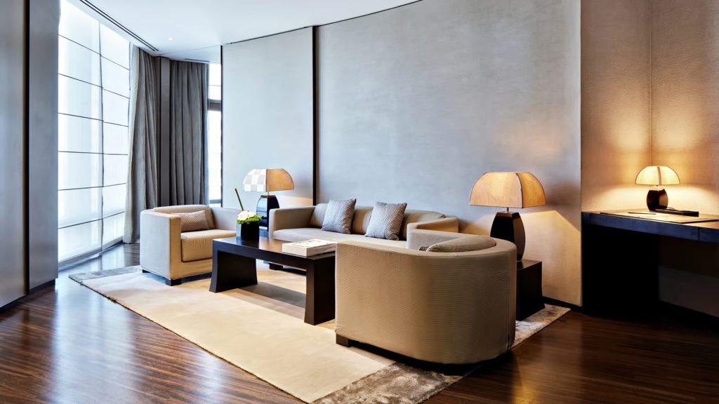 Armani Hotel Dubai - Burj Khalifa, Dubaï, Émirats arabes unis - Espace salon de la suite Armani
