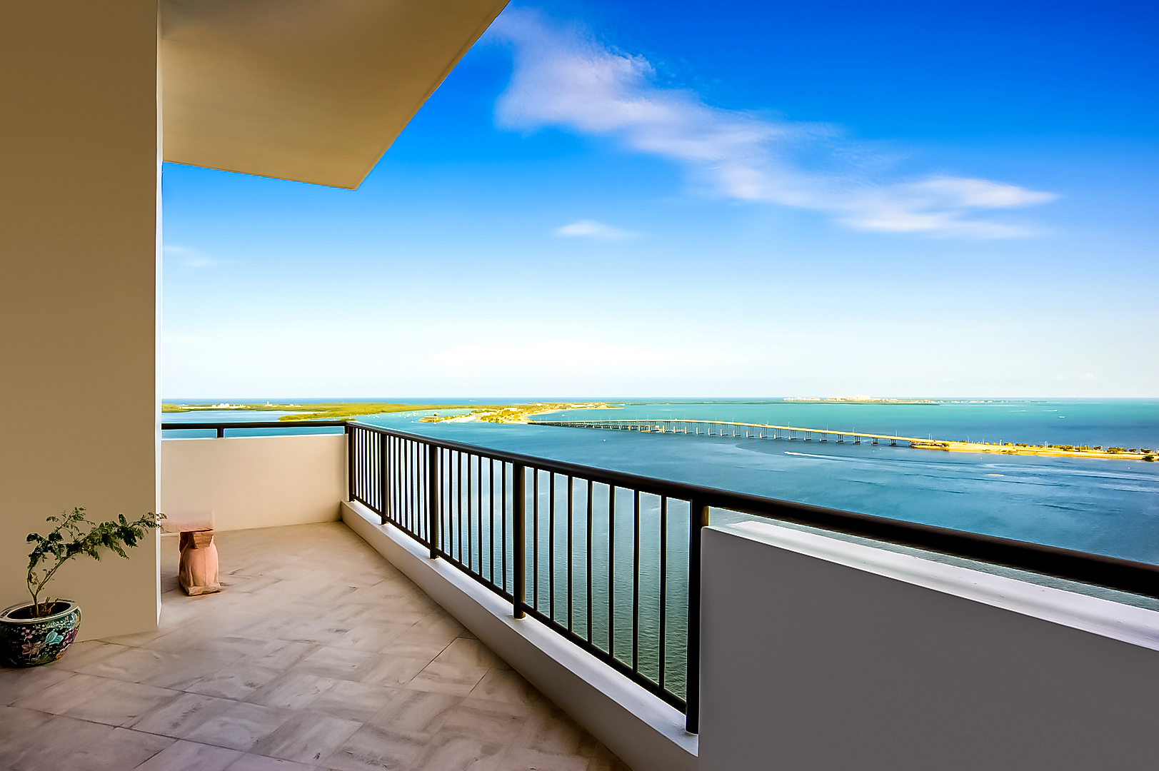 Villa Regina Penthouse – 1581 Brickell Avenue, Miami, FL, USA