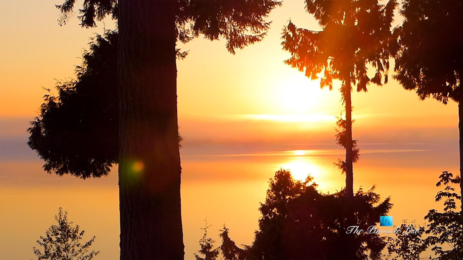 Drayton Harbor Sunrise Timelapse in Blaine, Washington, USA - Luxury Travel