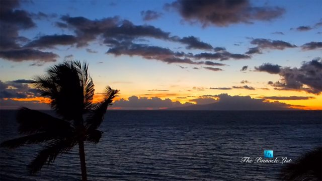 Maui Sunset Timelapse in Kihei, Hawaii, USA - Royal Mauian - Luxury Travel