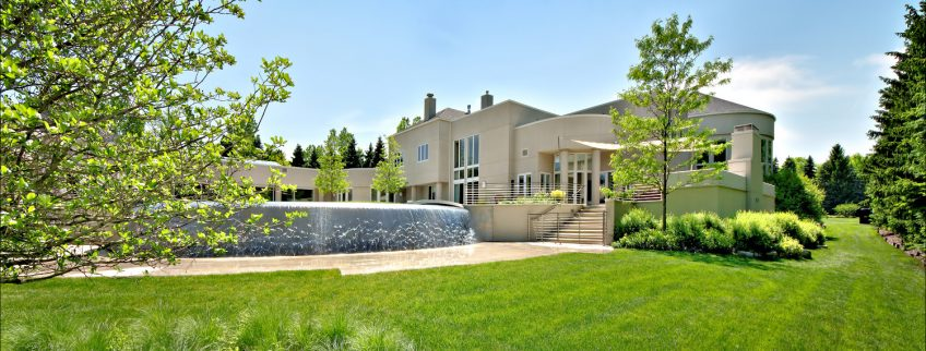 Michael Jordan's Chicago Home - Legend Point at 2700 Point Drive, Highland Park, IL, USA