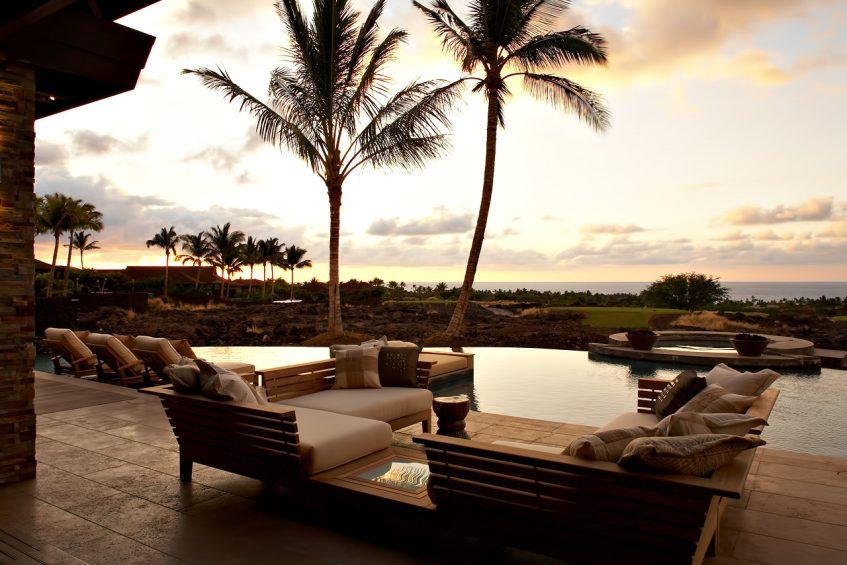 Cher's Former Hawaiian Residence - 72-122 Laueki St, Kailua-Kona, HI, USA