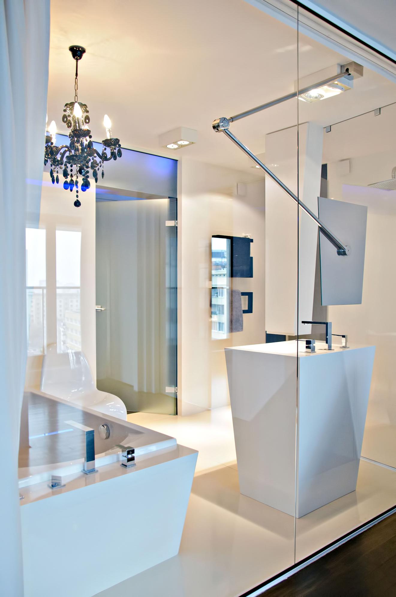 Bold HOLA Design Luxury Apartment - Warsaw, Poland