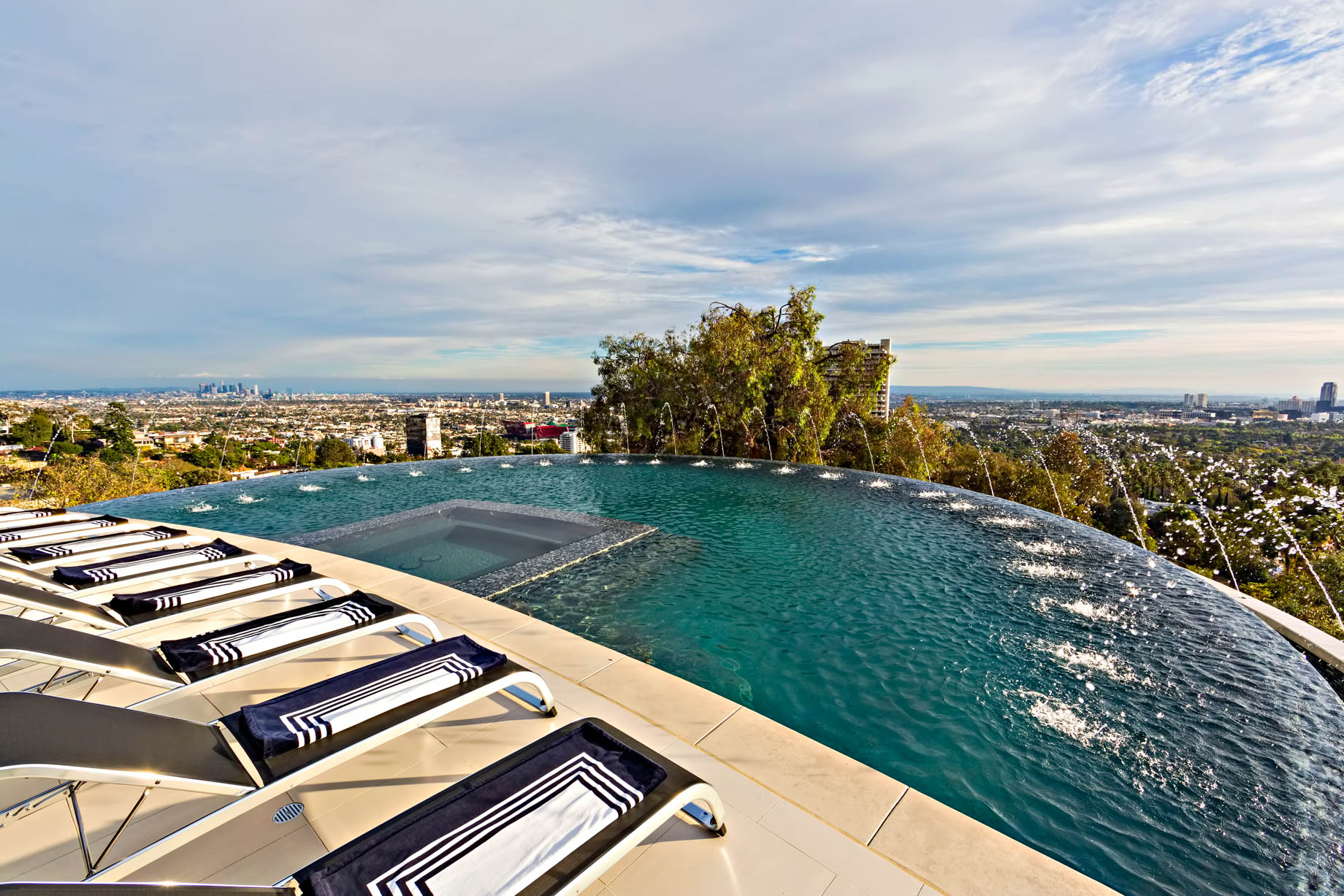 Hollywood Hills Residence - 9380 Sierra Mar Dr, Los Angeles, CA, USA