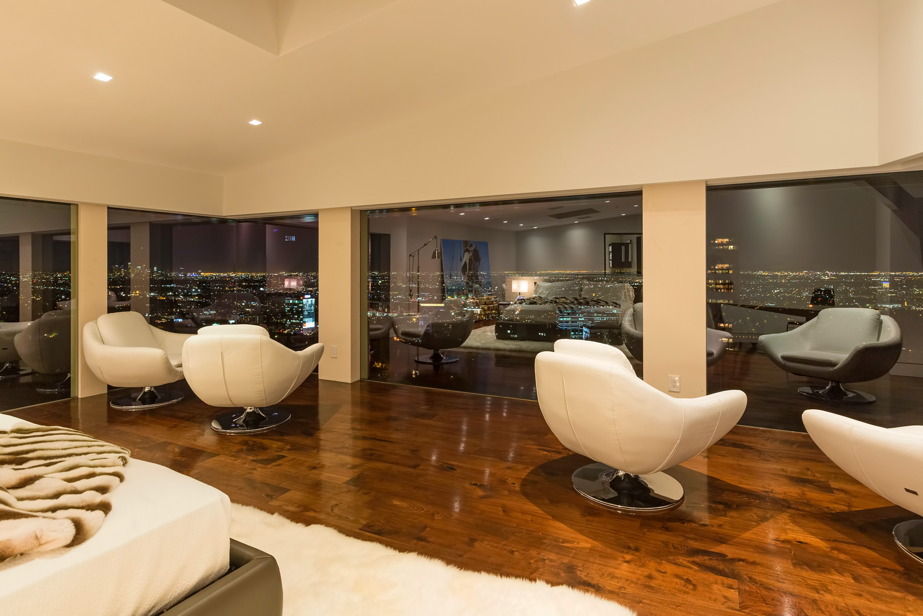 Hollywood Hills Residence – 9380 Sierra Mar Dr, Los Angeles, CA, USA