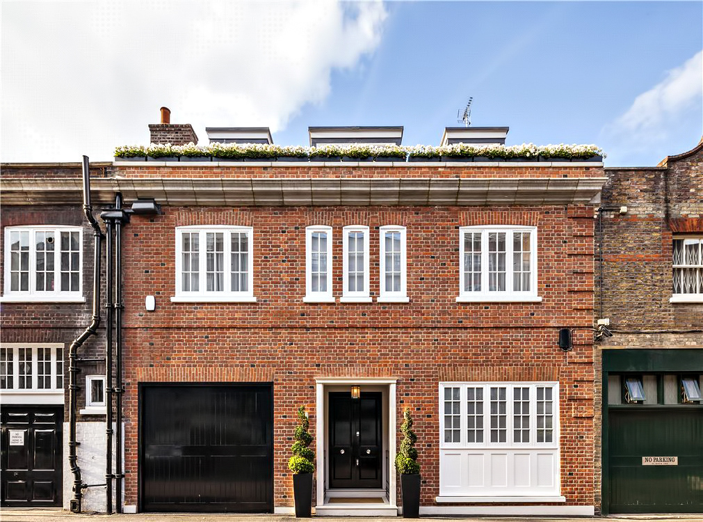 Luxury Residence – 43 Reeves Mews, Mayfair, London, England, UK