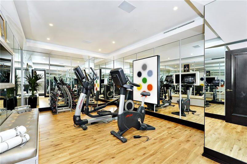 44 - Luxury Residence - 43 Reeves Mews, Mayfair, London, UK