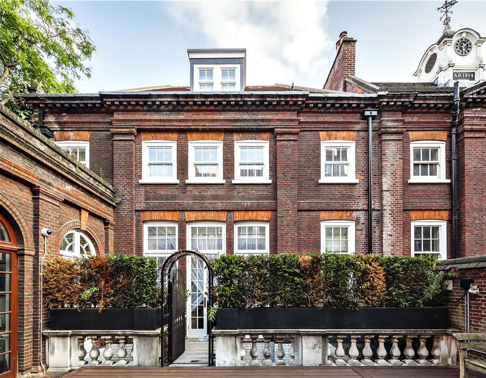 45 – Luxury Residence – 43 Reeves Mews, Mayfair, London, UK