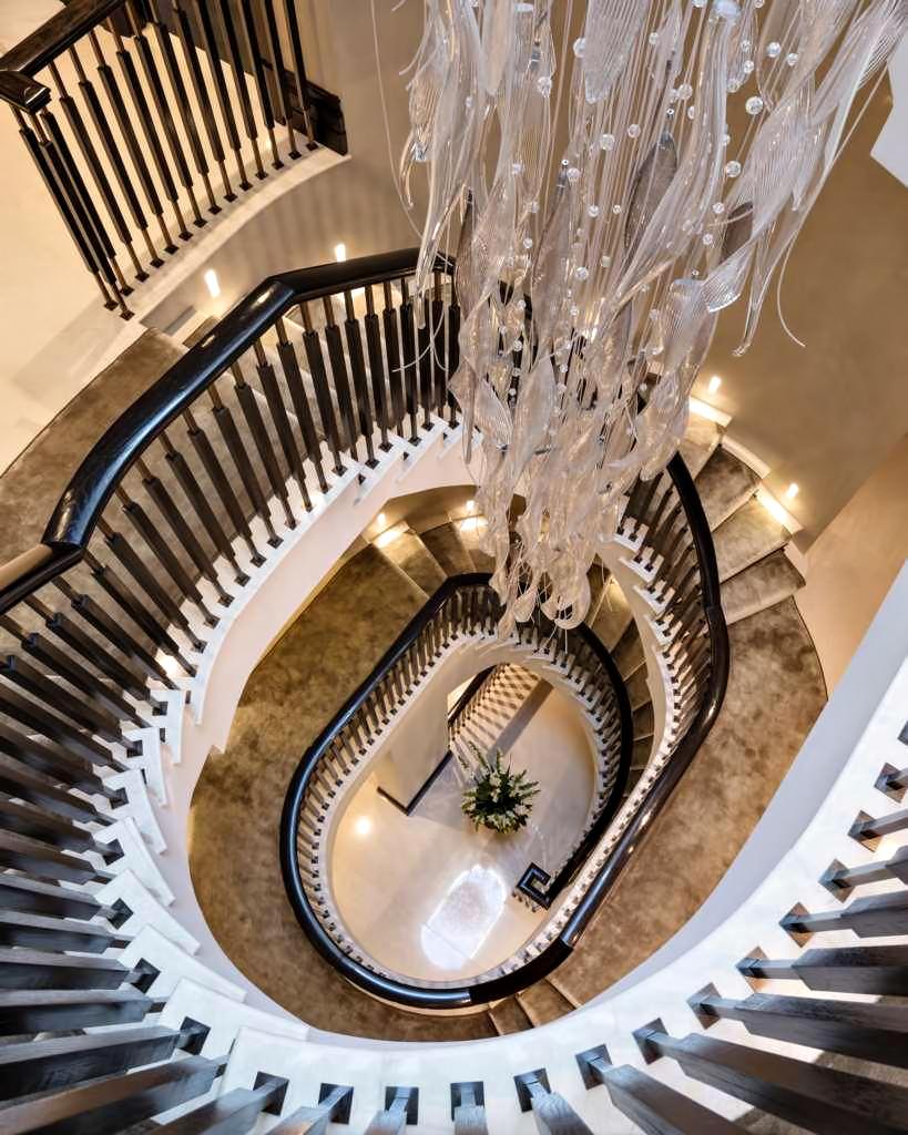 52 - Luxury Residence - 43 Reeves Mews, Mayfair, London, UK