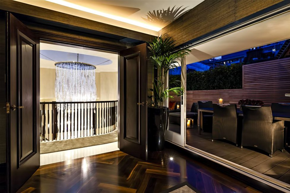 53 - Luxury Residence - 43 Reeves Mews, Mayfair, London, UK