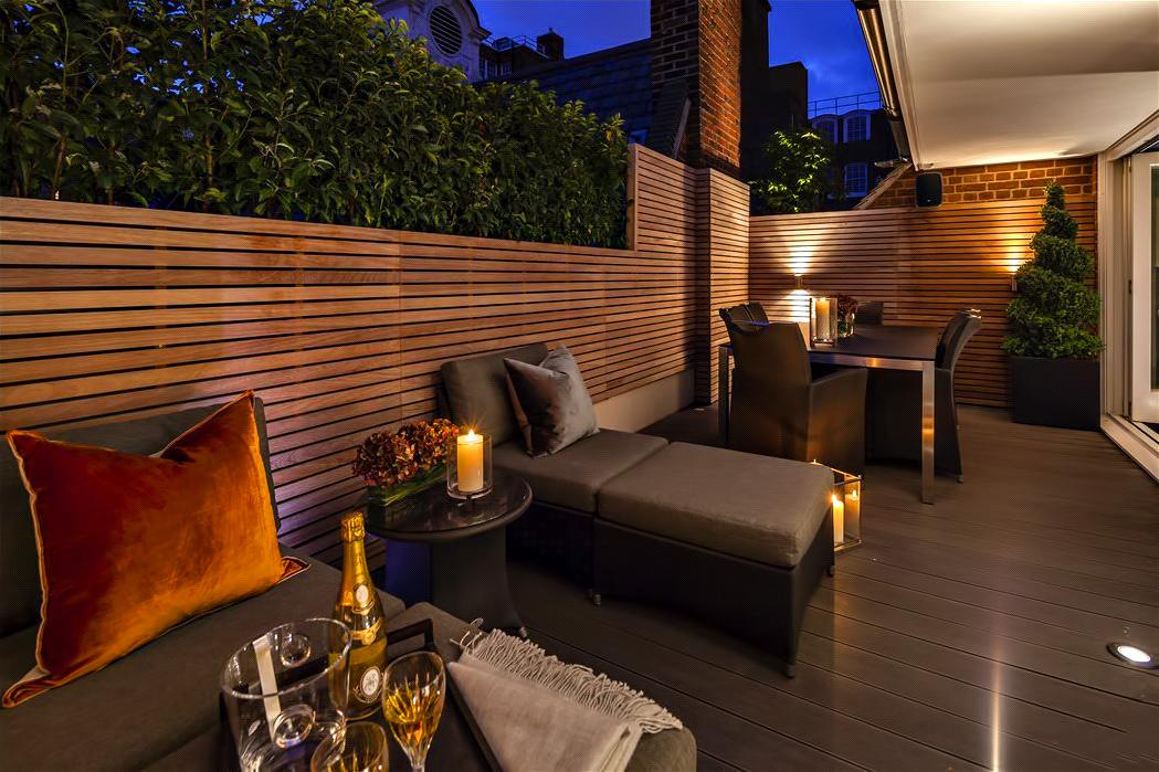 56 – Luxury Residence – 43 Reeves Mews, Mayfair, London, UK