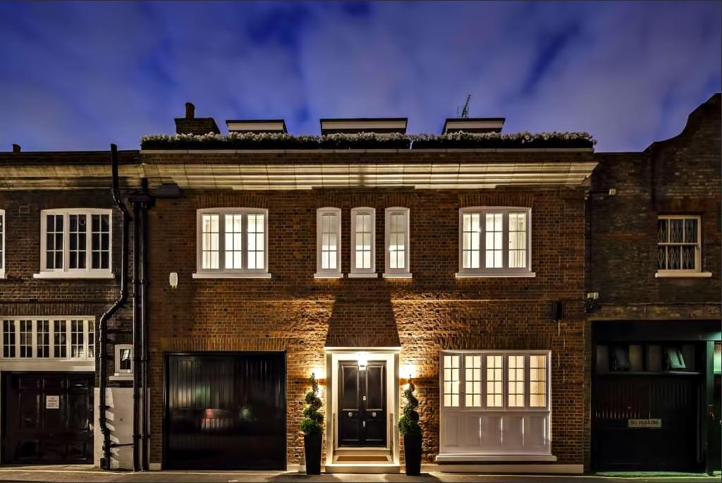 59 - Luxury Residence - 43 Reeves Mews, Mayfair, London, UK