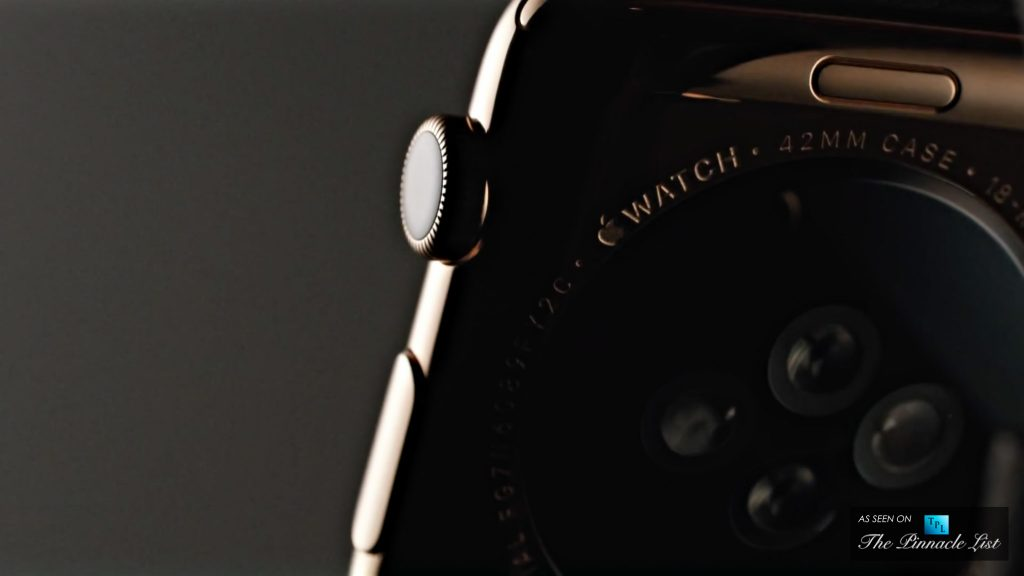 074 - The Gold Apple Watch Edition - Pinnacle Luxury Technology with Elegant Fashion