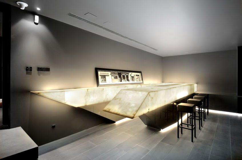 Monolithic Concrete House II - Pozuelo de Alarcón, Madrid, Spain