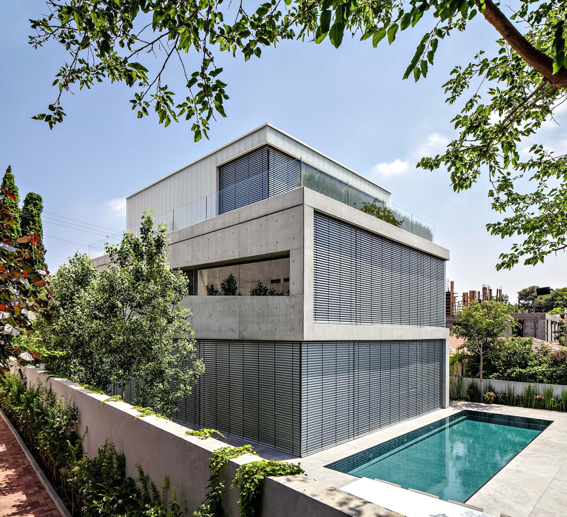 08 – Concrete Cut Luxury Residence – Ramat Gan, Tel Aviv, Israel