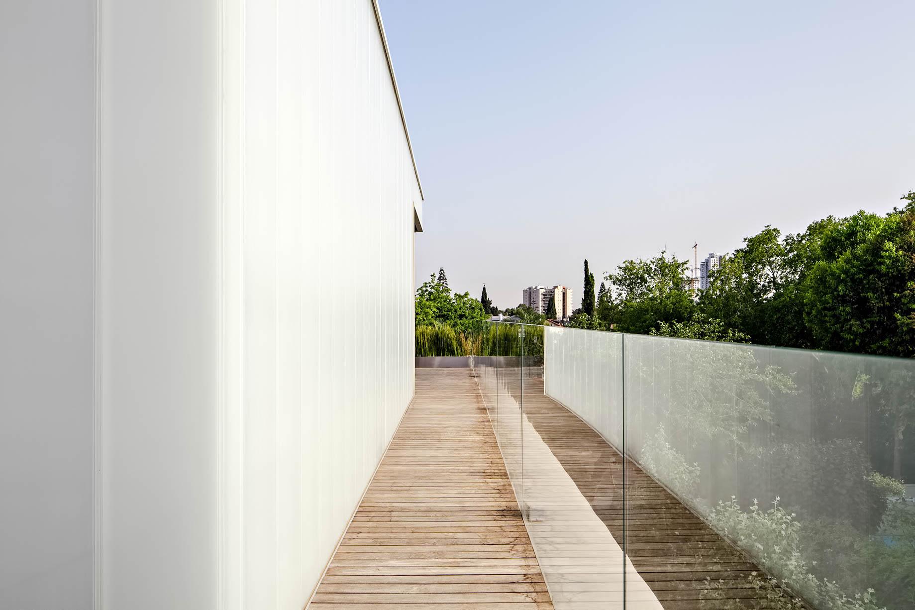 Concrete Cut Luxury Residence – Ramat Gan, Tel Aviv, IsraelConcrete Cut Luxury Residence – Ramat Gan, Tel Aviv, Israel