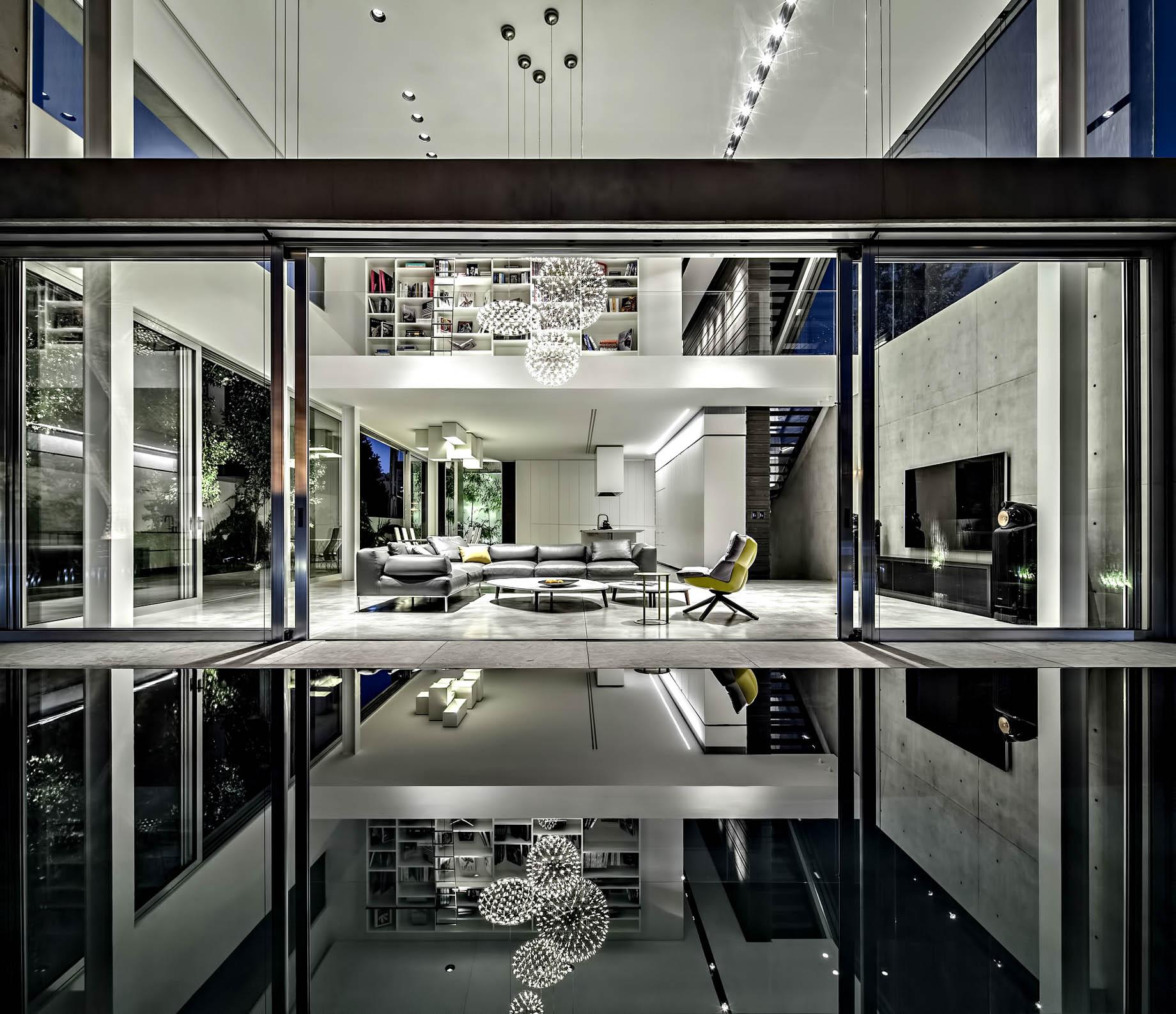 Concrete Cut Luxury Residence – Ramat Gan, Tel Aviv, Israel