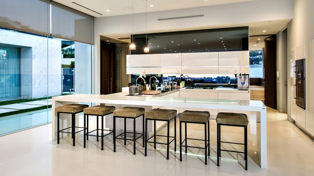Winklevoss Luxury Home - 1423 Tanager Way, Los Angeles, CA, USA