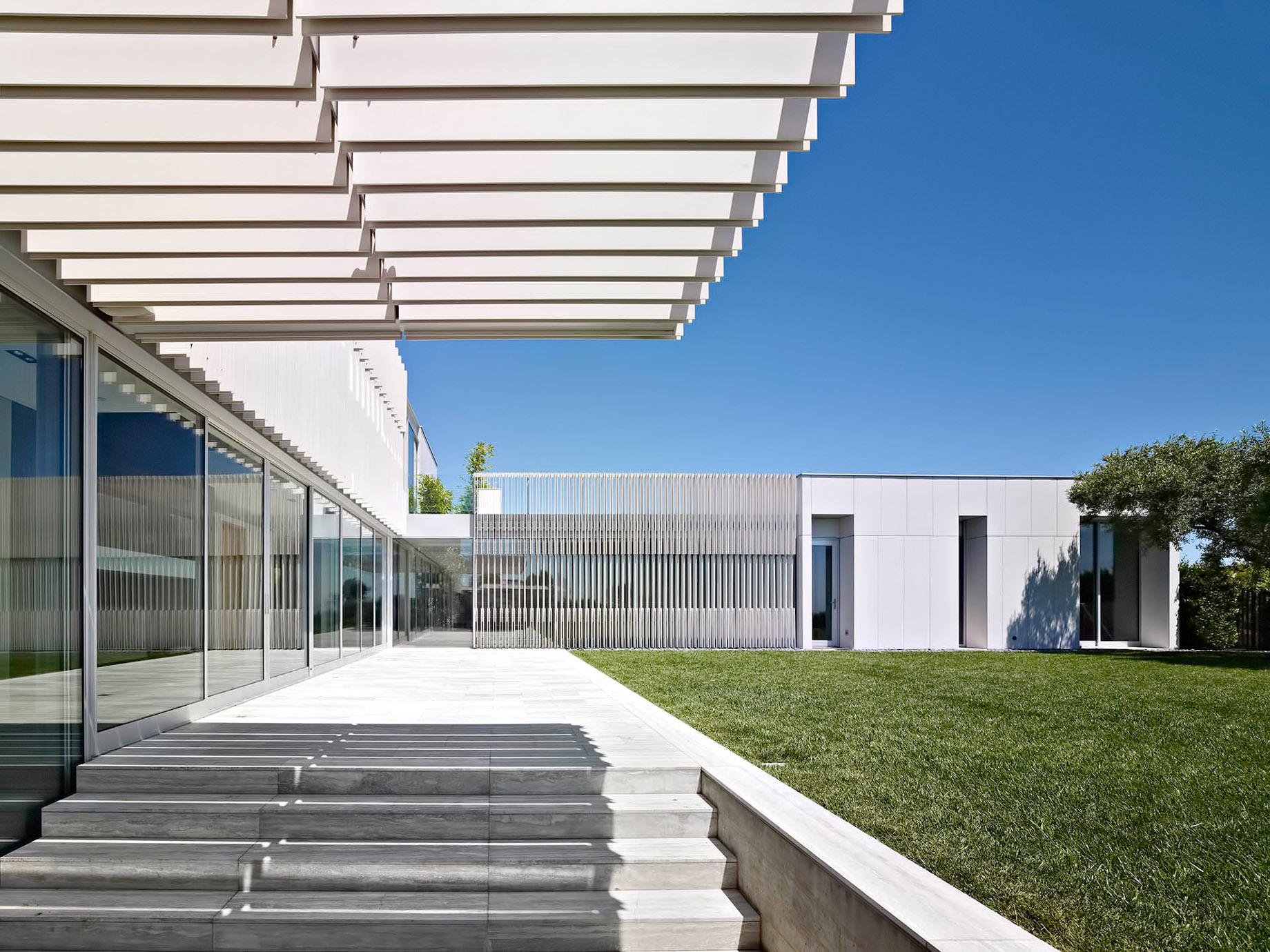 Oberfeld Residence - 9318 Nightingale Drive, Los Angeles, CA, USA