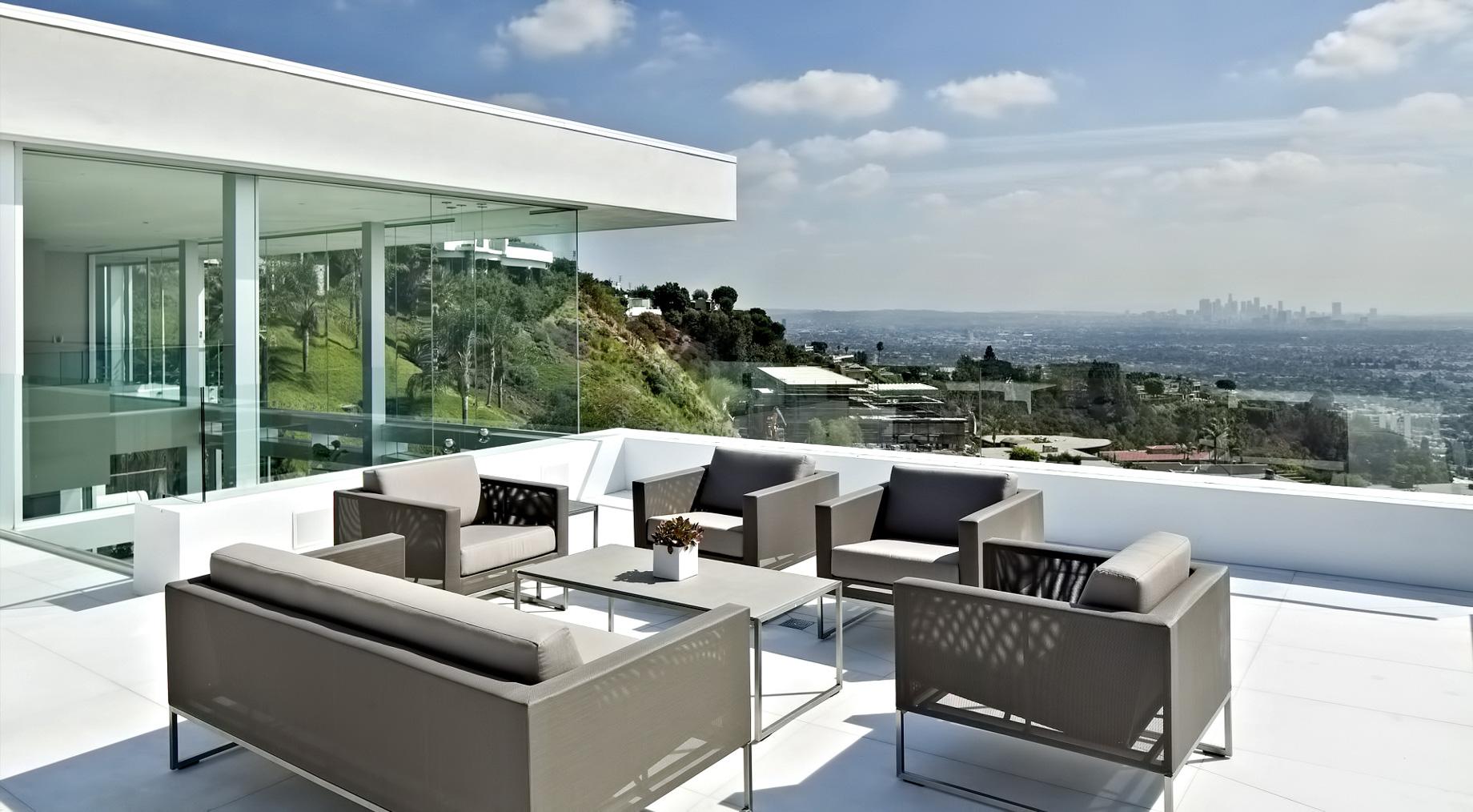Front Row Modern - 9150 Oriole Way, Los Angeles, CA, USA