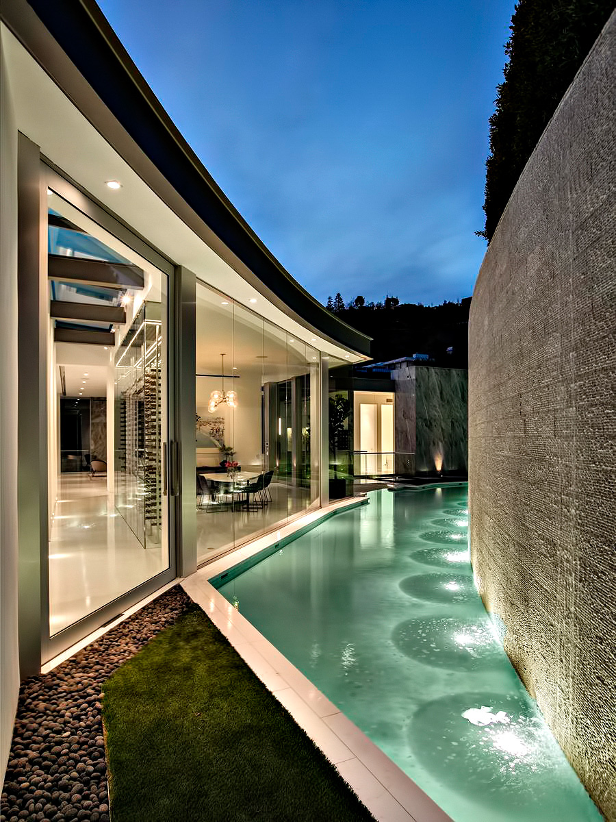 Hollywood Hills Modern – 1814 N Doheny Dr, Los Angeles, CA, USA