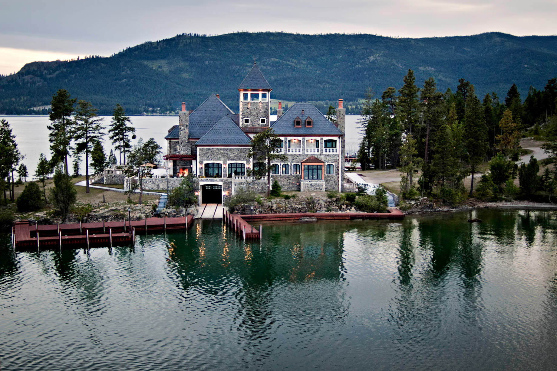 Shelter Island Private Estate – Flathead Lake, Rollins, MT, USA