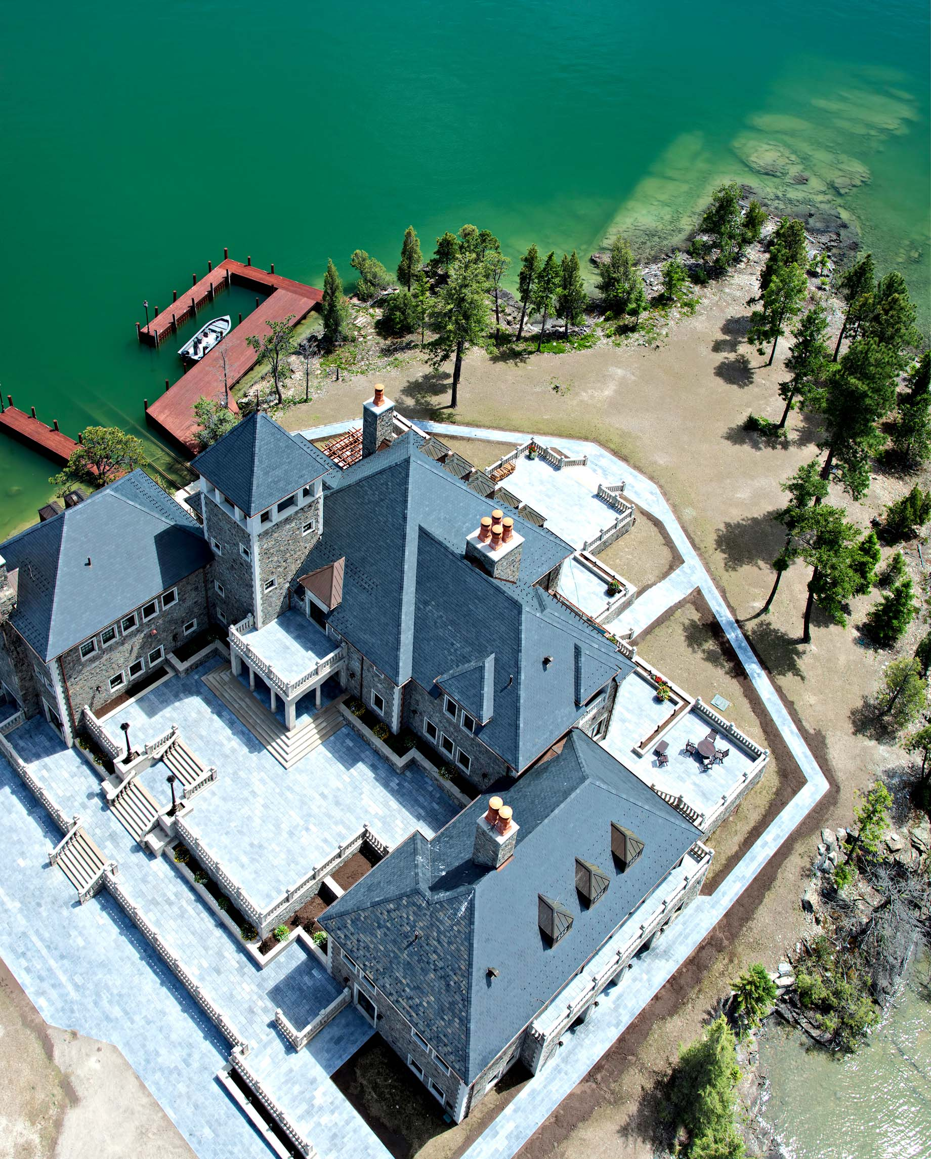 Shelter Island Private Estate - Flathead Lake, Rollins, MT, USA