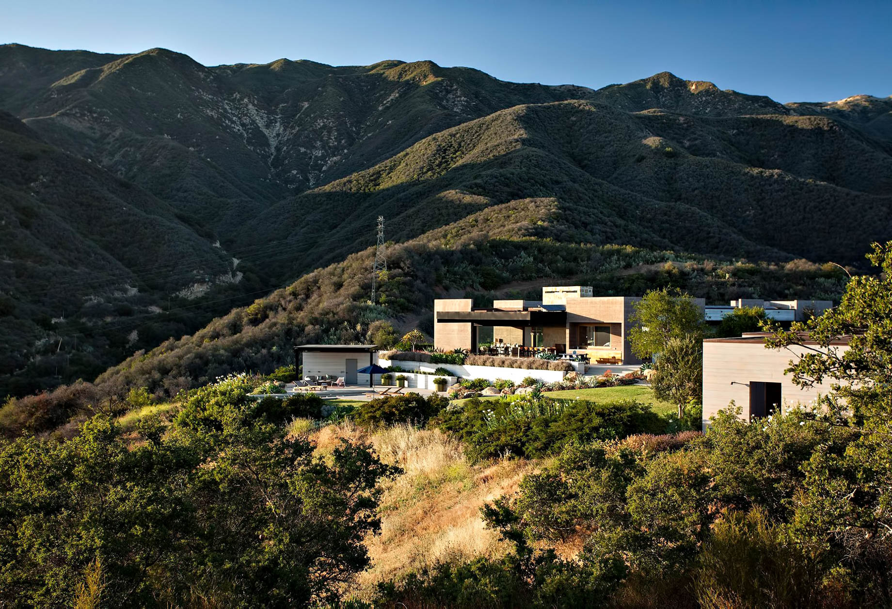 Toro Canyon House – 3660 Toro Canyon Park Rd, Montecito, CA, USA