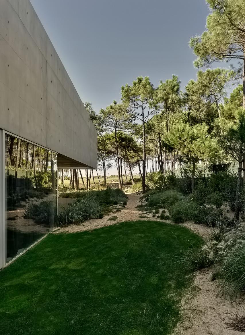 Wall House Luxury Residence – Cascais, Lisbon, Portugal