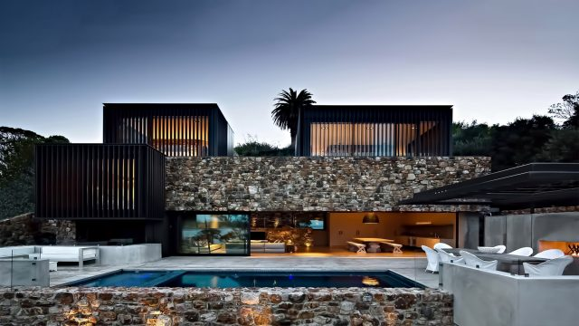 Local Rock House - Waiheke Island, Auckland, New Zealand