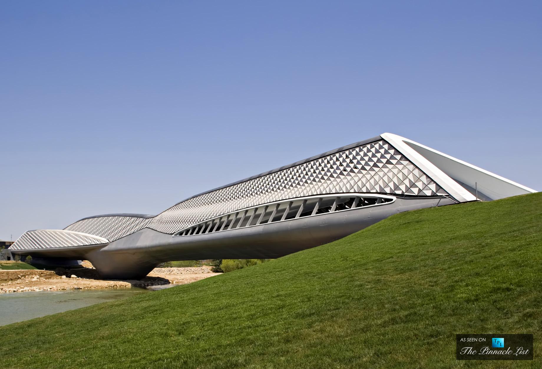 Zaragoza Bridge Pavillion - Zaha Hadid Architects