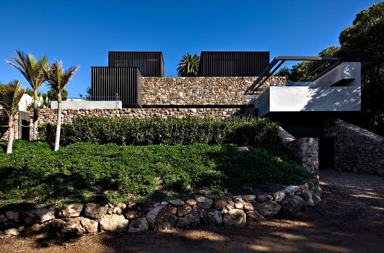 Local Rock House – Waiheke Island, Auckland, New Zealand