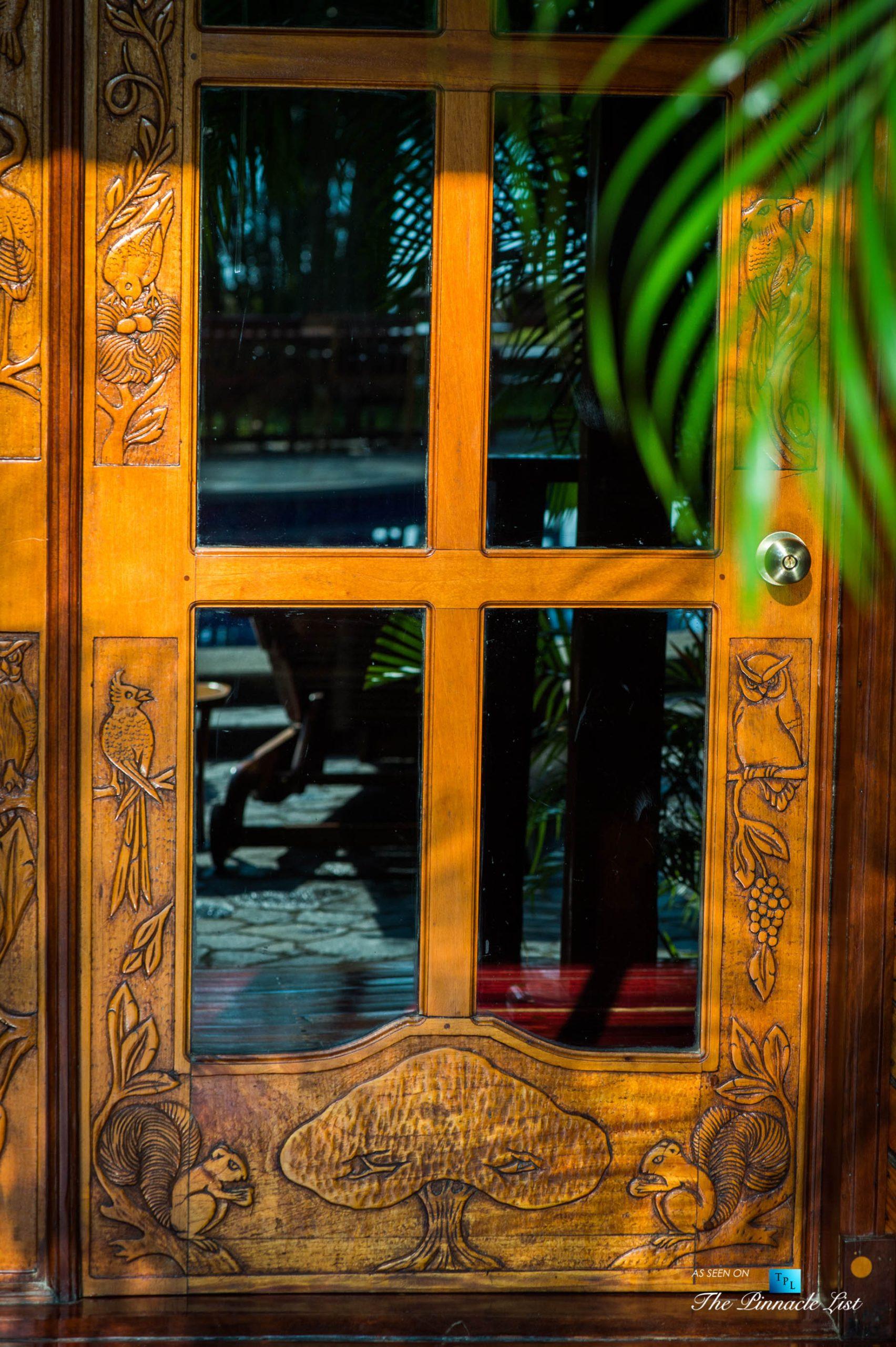 Tambor Tropical Beach Resort – Tambor, Puntarenas, Costa Rica – Suite Door Carving