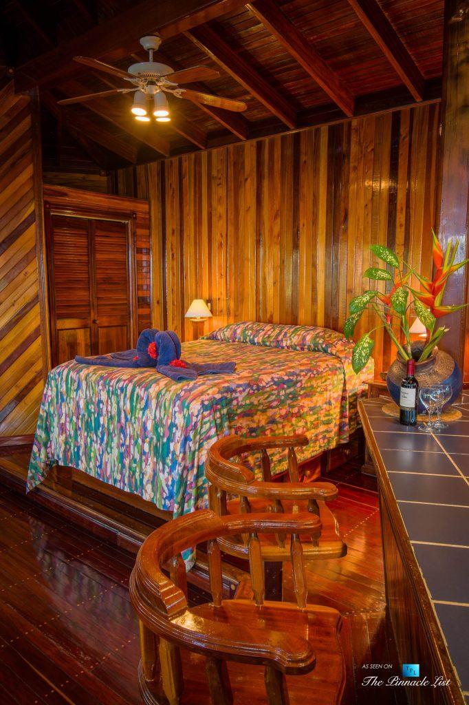 Tambor Tropical Beach Resort - Tambor, Puntarenas, Costa Rica - Suite Bed