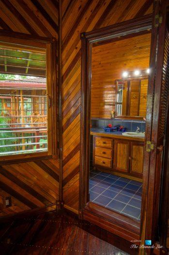 Tambor Tropical Beach Resort - Tambor, Puntarenas, Costa Rica - Suite Bathroom