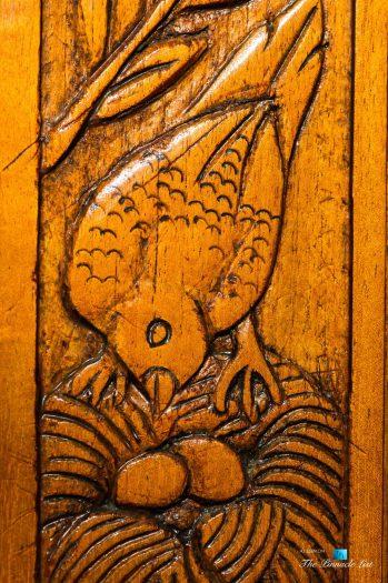 Tambor Tropical Beach Resort - Tambor, Puntarenas, Costa Rica - Bird Carving
