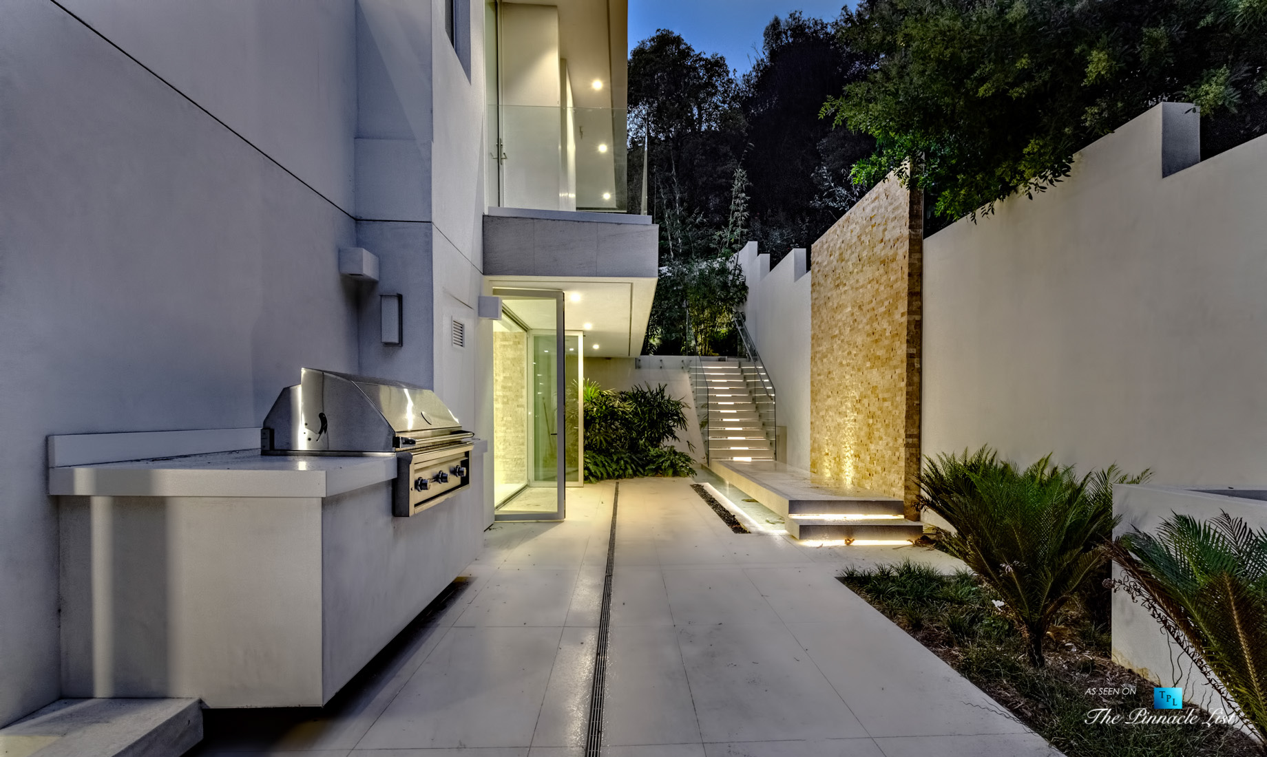 9311 Readcrest Dr, Beverly Hills, CA, USA