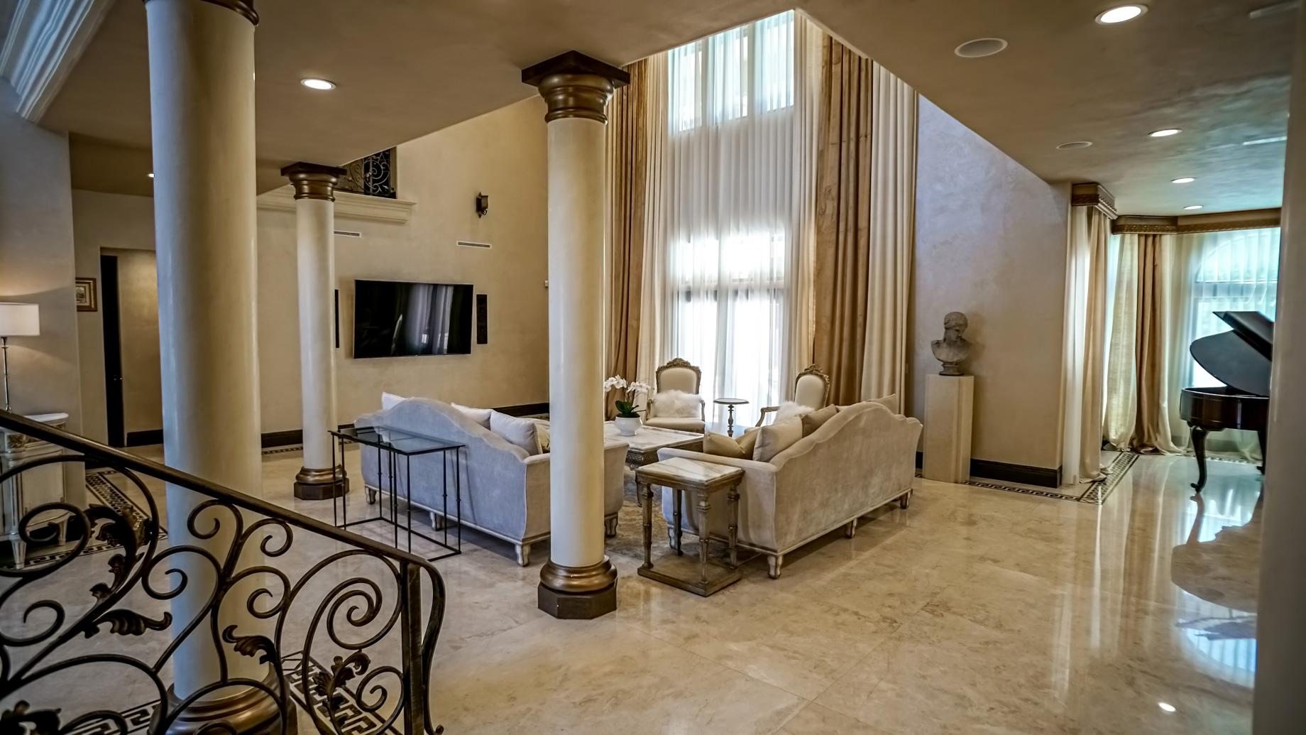 Chandler Estates Home – 13854 Albers St, Los Angeles, CA, USA