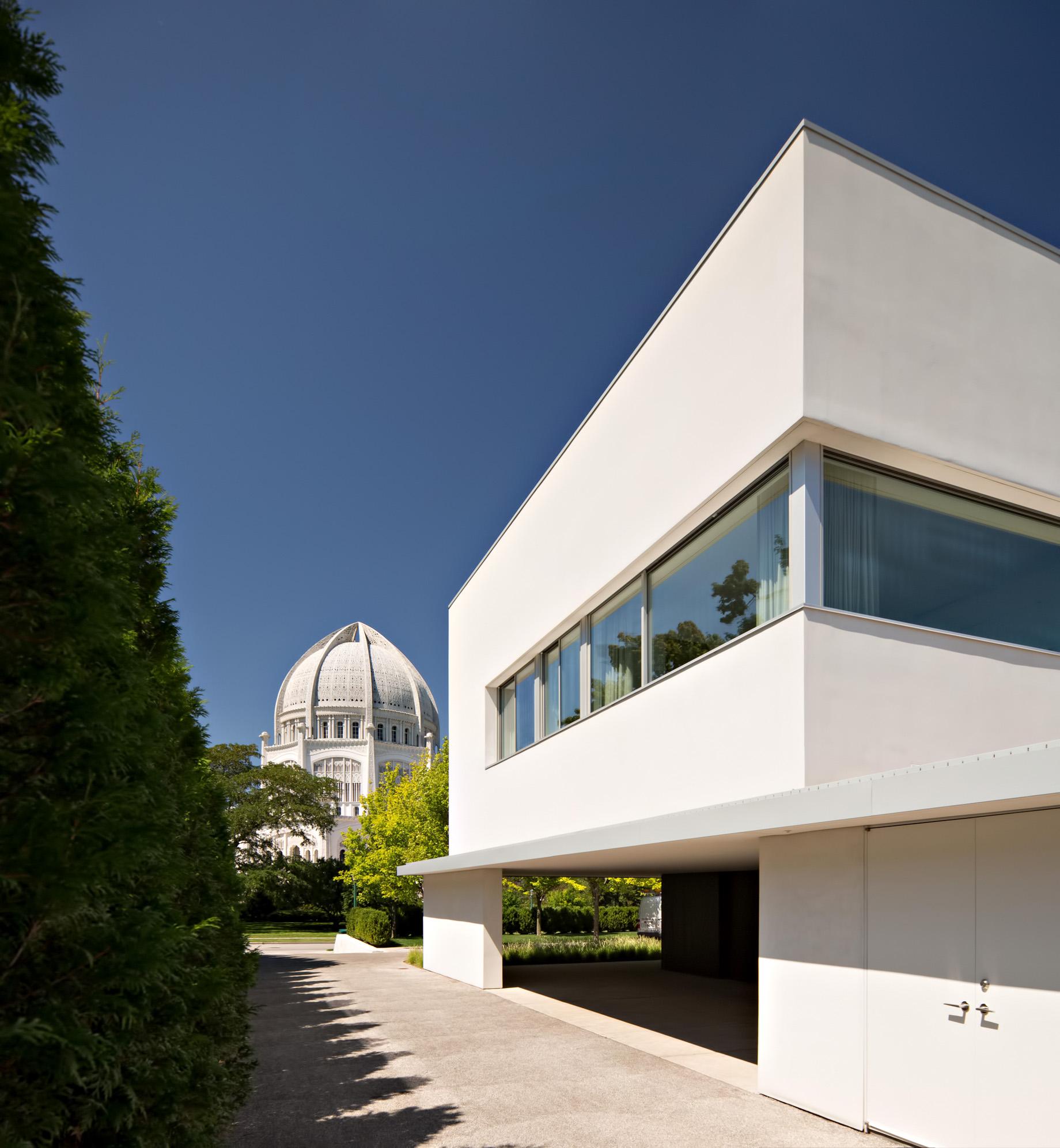 Beach House Luxury Residence - 516 Sheridan Rd, Wilmette, IL, USA
