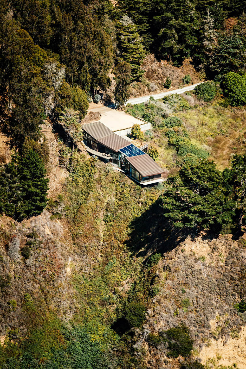 Fall House Luxury Residence - Cabrillo Hwy, Big Sur, CA, USA