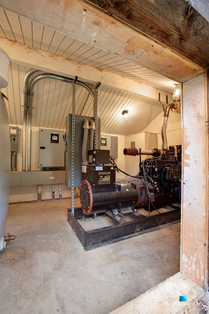 249 Outdoors and Outbuildings - Thunder Ranch - 7095 Bottle Bay Rd, Sagle, ID, USA