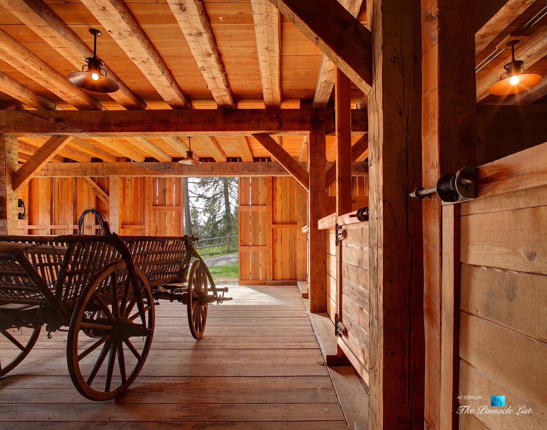 Stable - Thunder Ranch - 7095 Bottle Bay Rd, Sagle, ID, USA