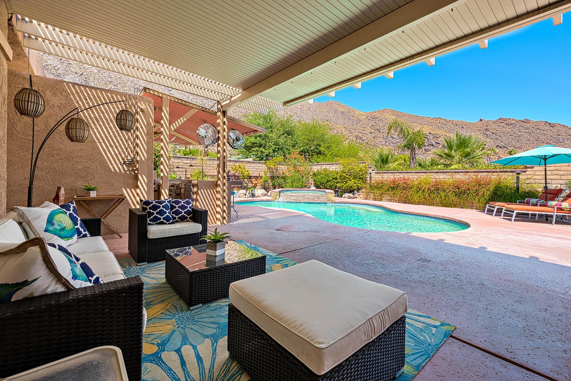 Desert Modern – 575 S Fern, Canyon Dr, Palm Springs, CA, USA