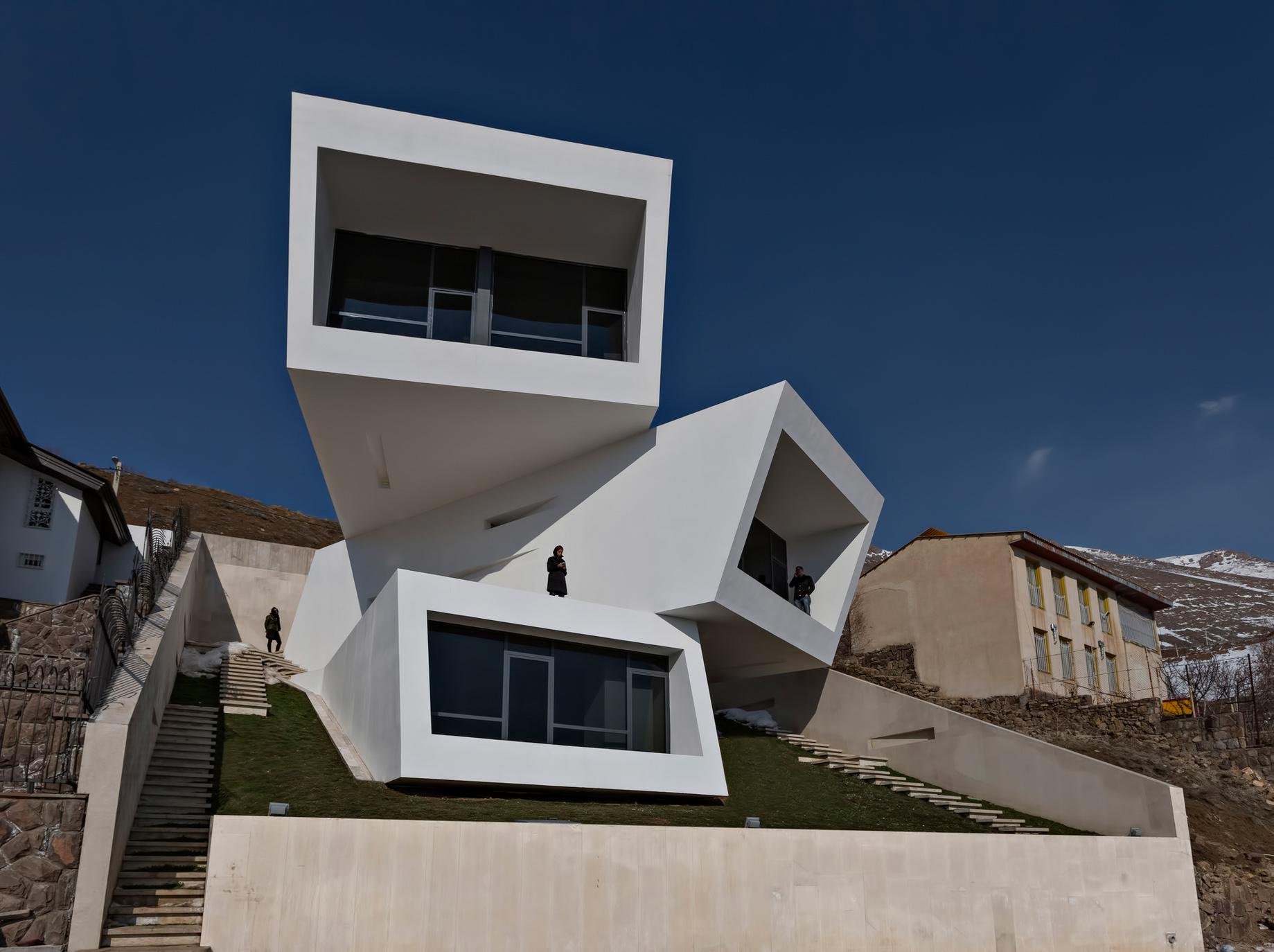 Three Views House Luxury Residence - Mosha, Tehran, Iran