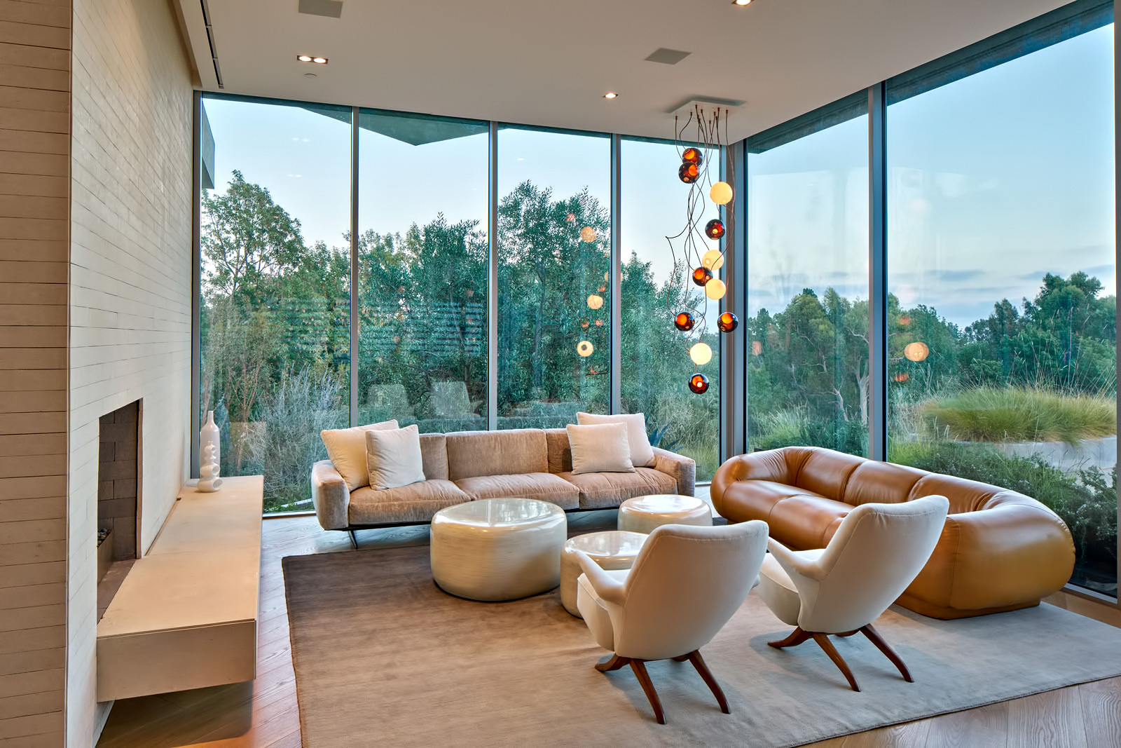 Tree Top Residence – North Barrington Ave, Los Angeles, CA, USA