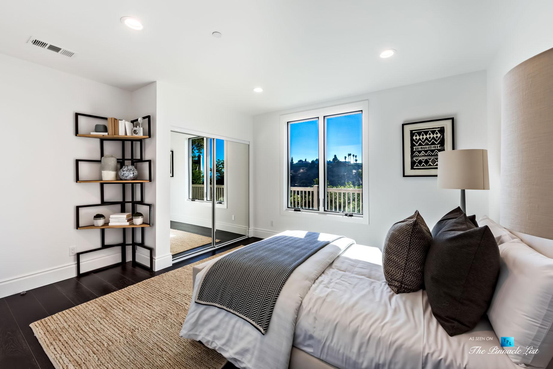 055 – 15234 Rayneta Drive, Sherman Oaks, CA, USA
