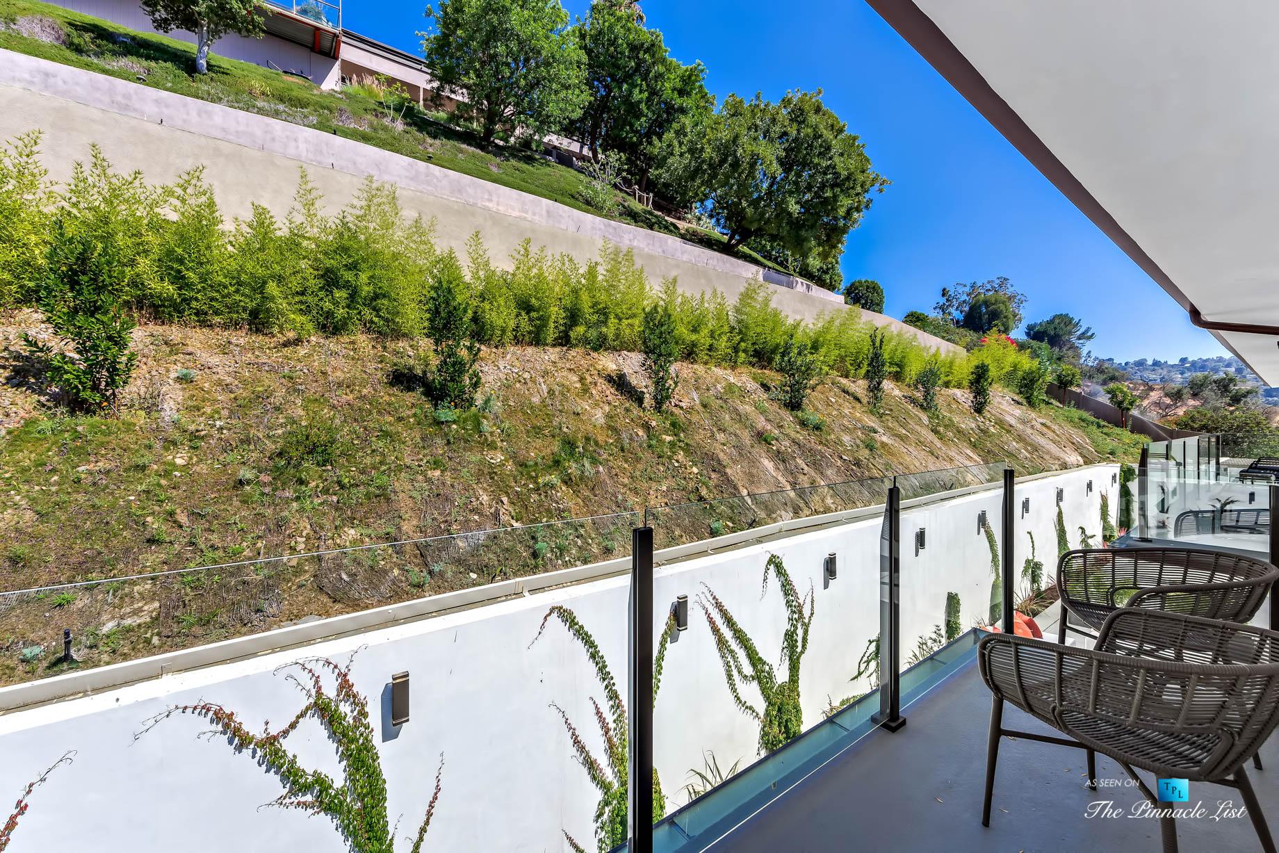 071 – 15234 Rayneta Drive, Sherman Oaks, CA, USA