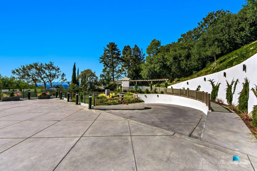 076 - 15234 Rayneta Drive, Sherman Oaks, CA, USA