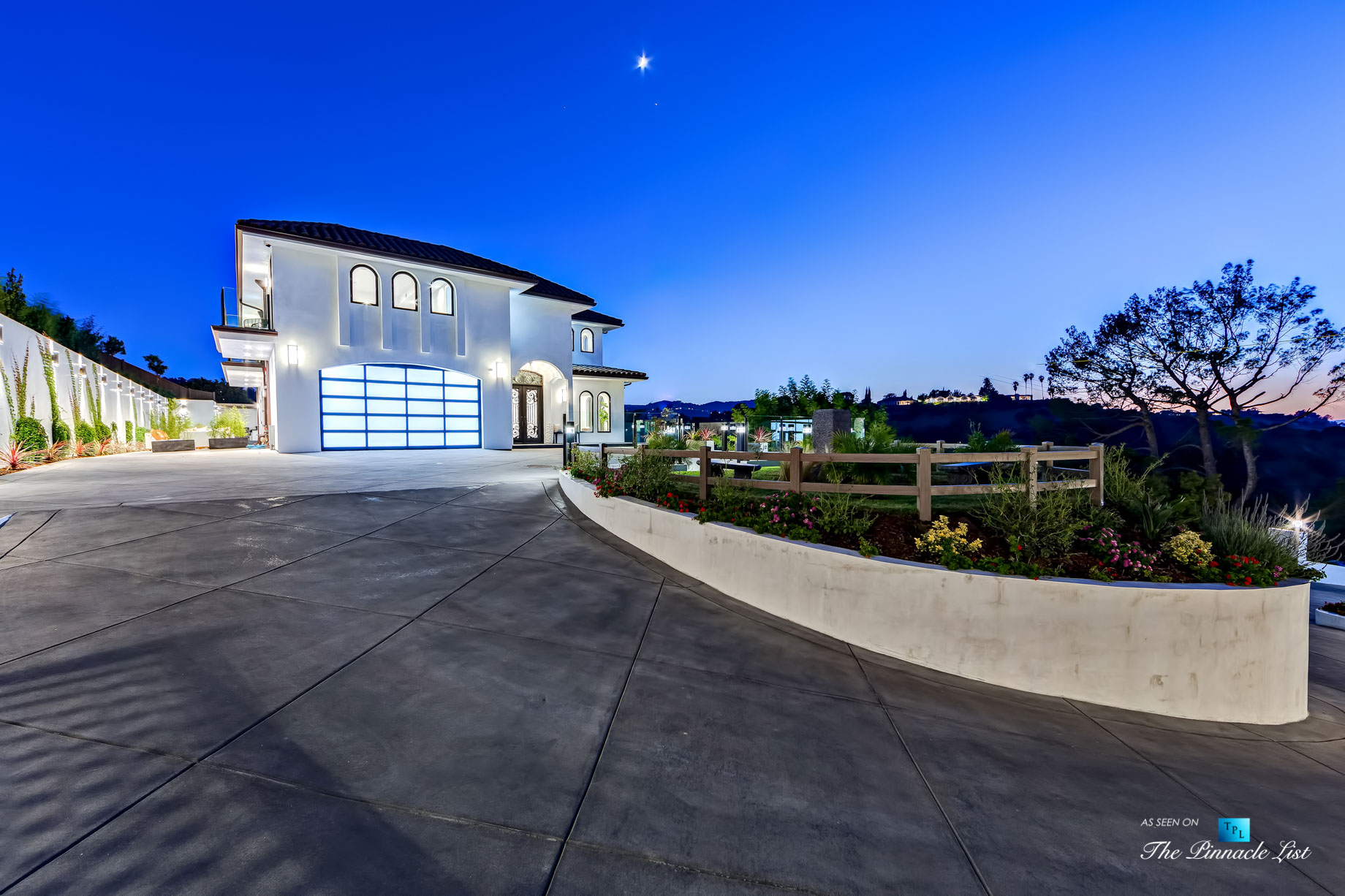 15234 Rayneta Drive, Sherman Oaks, CA, USA