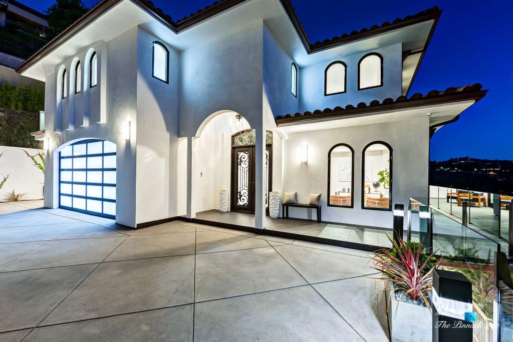 082 - 15234 Rayneta Drive, Sherman Oaks, CA, USA